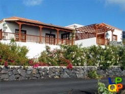 object 477  La Palma / House with 2 apartments / Holiday home / Casitas las Viñas A